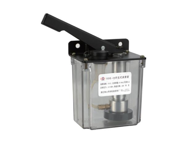 手压式润滑泵